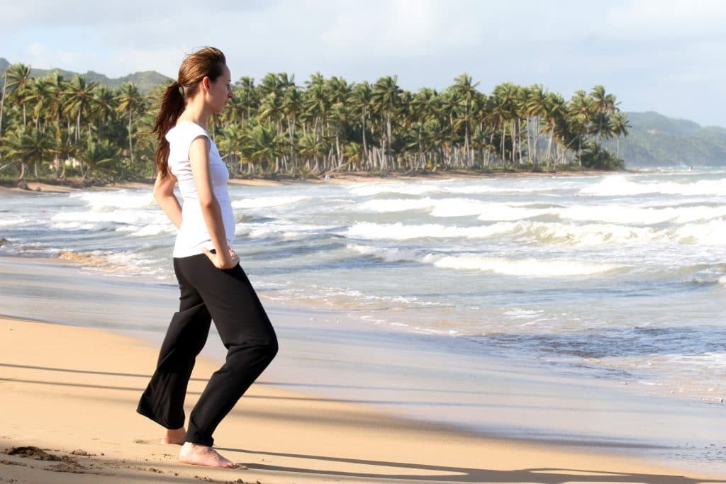 5-Ways-To-Find-Happiness-Through-Yoga